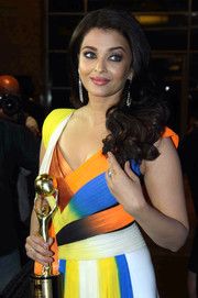 Aishwarya Rai attended the Bollywood NRI of the Year Awards wearing perfectly styled curls.