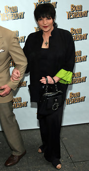Liza Minnelli kept her necessities in a leather Guess swing bag.