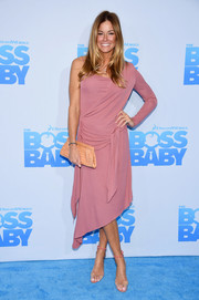 Kelly Bensimon was modern and chic in a rose-colored one-sleeve midi dress at the New York premiere of 'The Boss Baby.'