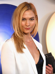 Karlie Kloss looked very trendy with her bouncy layered cut at the Boss fashion show.