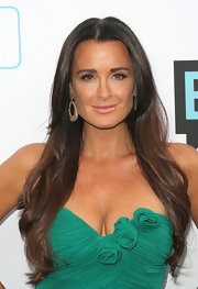 Kyle Richards paired her long brunette curls with golden hoop earrings at Bravo's 2011 Upfront Presentation.