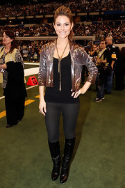 Maria sparkled in an ombre sequined jacket at the Super Bowl pregame show.