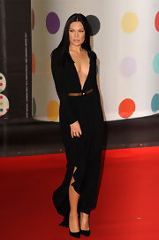 We didn't believe our eyes when we saw Jessie J in this refined black gown on the red carpet. The usually zany singer has never looked better.