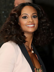 Alesha Dixon looked gorgeous on 'Britain's Got Talent' with this center-parted curly 'do.