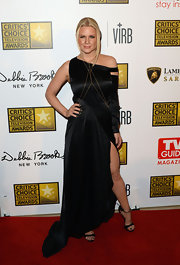 Carrie Keagan's black asymmetrical dress had a cool and edgy feel on the red carpet.