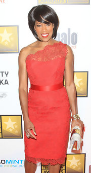 Regina King's dark coral lace one-shoulder dress at the Critics' Choice Awards totally took our breath away!