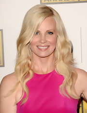 Monica Potter opted for a completely low maintenance look with a soft, brushed-out wave.