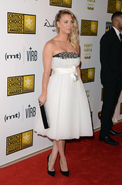 More Pics of Kaley Cuoco Strapless Dress (1 of 14) - Kaley Cuoco Lookbook - StyleBistro