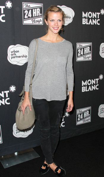 Brooklyn Decker Skinny Jeans [the 24 hour plays,clothing,shoulder,joint,hairstyle,footwear,neck,leg,premiere,shoe,outerwear,brooklyn decker,montblanc presents,a benefit for urban arts partnership,los angeles,the shore hotel,santa monica,california]