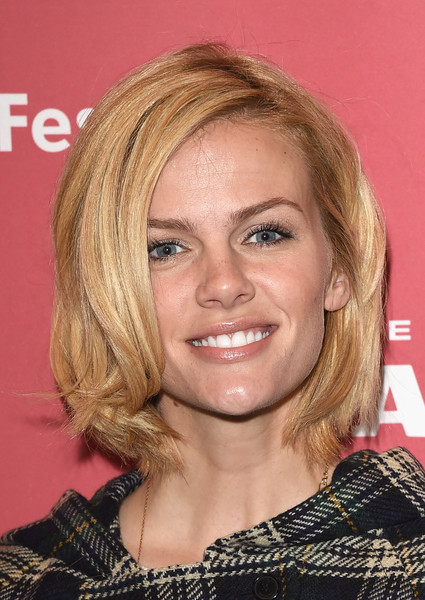 Brooklyn Decker Bob [results premiere,hair,face,hairstyle,blond,eyebrow,chin,layered hair,hair coloring,brown hair,long hair,brooklyn decker,results,utah,park city,eccles center theatre,sundance film festival]