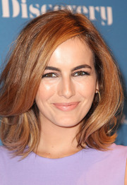 Camilla Belle looked fab with her bouncy lob at the 'Art of Discovery' book celebration.