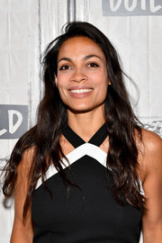 Rosario Dawson wore her hair down in casual waves while appearing on the Build Series.