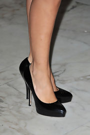 Alessandra Mastronardi finished off her chic ensemble with classic black platform pumps.