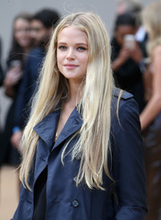 Gabriella Wilde wore her hair long and straight with a center part at the Burberry Prorsum fashion show.