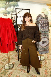 Miroslava Duma went for a monochromatic finish with a pair of brown culottes.