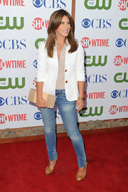 Jillian Michaels finished off her casual-chic ensemble with a pair of tan peep-toes.
