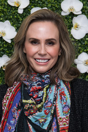 Keltie Knight attended the Eye Speak Summit wearing her hair in gentle waves.