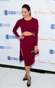 Katharine McPhee sealed off her sassy look with a fur-accented box clutch by Emm Kuo.