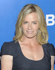 Elisabeth Shue arrived at the CBS 2012 Upfront event wearing her sunny tresses in casual layered style.