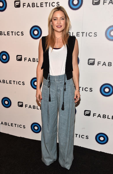 More Pics of Kate Hudson Bangle Bracelet (1 of 16) - Bracelets Lookbook - StyleBistro [clothing,carpet,electric blue,red carpet,flooring,arrivals,kate hudson,los angeles,california,cfda,fabletics,event,fabletics event]