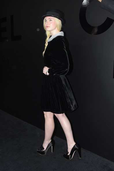 More Pics of Elle Fanning Loose Braid (1 of 7) - Loose Braid Lookbook - StyleBistro