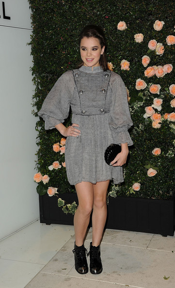 More Pics of Hailee Steinfeld Day Dress (3 of 22) - Day Dress Lookbook - StyleBistro