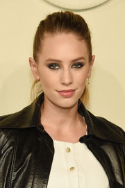 Dylan Penn kept it casual with this pony at the Chanel Paris-Salzburg show.