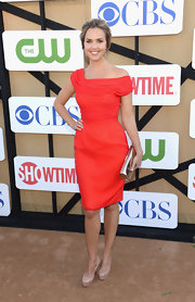 Arielle Kebbel looked lovely in this off-the-shoulder red dress at the 2013 Summer TCA Party.