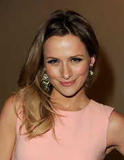 Shantel VanSanten added a feathery pair of false lashes to her ultra-feminine look at an Evening With 'One Tree Hill.'