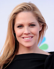 Actress Mary McCormack showed off her long straight locks while walking the red carpet. Her look was simple yet classic.