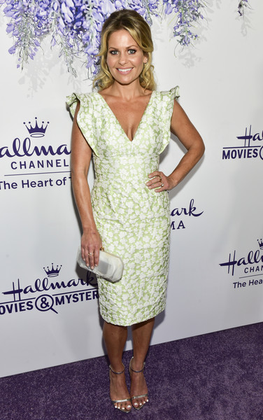 Candace Cameron Bure Hard Case Clutch [red carpet,dress,cocktail dress,clothing,footwear,hairstyle,shoulder,fashion,carpet,premiere,fashion model,candace cameron bure,summer tca,residence,beverly hills,california,hallmark channel]