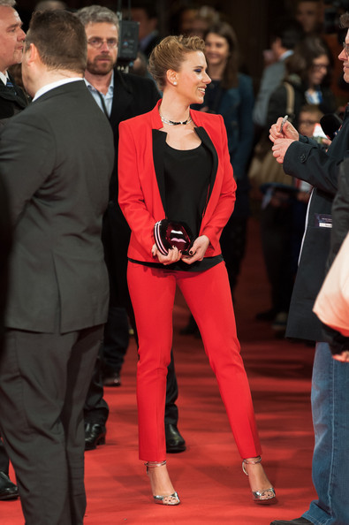 More Pics of Scarlett Johansson Pantsuit (1 of 60) - Scarlett Johansson Lookbook - StyleBistro