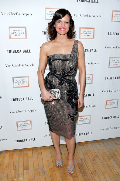Carla Gugino Clothes