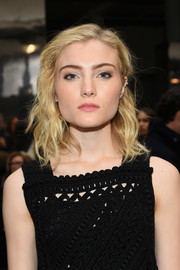 Skyler Samuels wore her hair down to her shoulders in piecey waves during the Carolina Herrera fashion show.