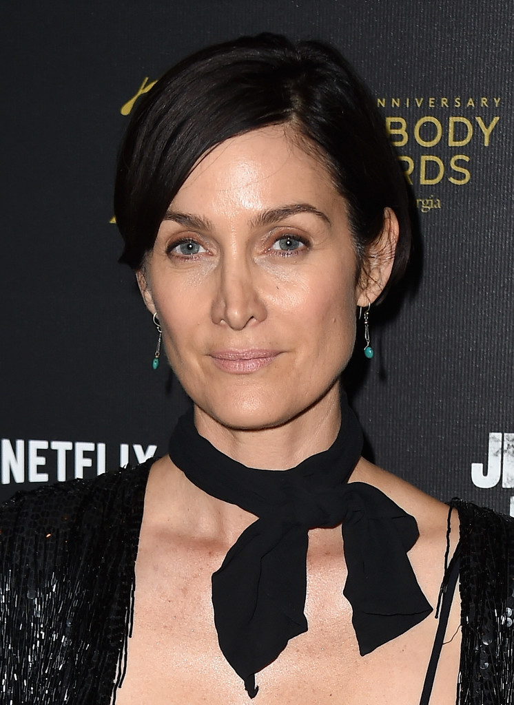 Carrie Anne Moss Bob Short Hairstyles Lookbook Stylebistro