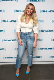 Hilary Duff kept it relaxed yet smart in a fitted white jacket by Stella McCartney while visiting the SiriusXM studios.