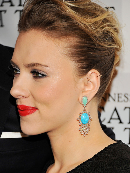 More Pics of Scarlett Johansson Red Lipstick (4 of 18) - Scarlett Johansson Lookbook - StyleBistro
