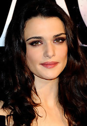 Rachel Weisz's hazel eyes were the center of the attention when she sported a bright plum eyeshadow at the 'Agora' premiere in Madrid.