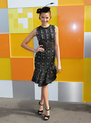 How cute was Rachael Finch in this crisp dress with a fluted skirt?