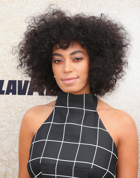 Solange Knowles rocked mussed-up curls while attending Derby Day.