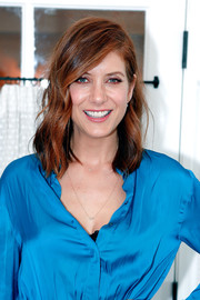 Kate Walsh looked fab with her side-parted wavy 'do at the TOMS x Oceana event.