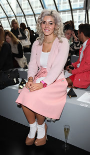 Maria Diamandis looked comfy in a light pink cardigan.
