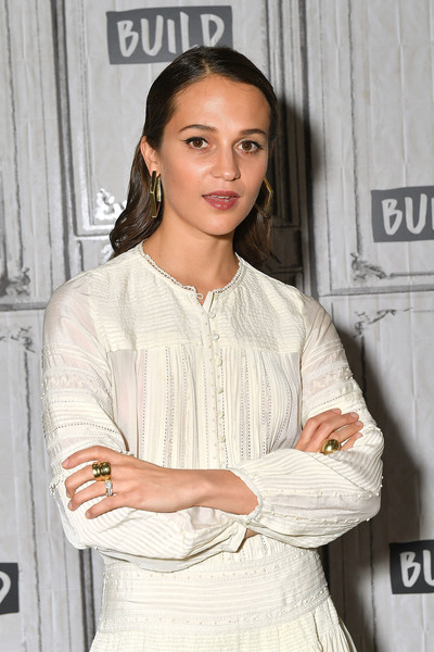 Alicia Vikander showed off her gorgeous diamond wedding ring while visiting Build.