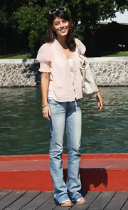 Even when dressed down in faded blue jeans, Alessandra Mastronardi looked oh-so-lovely.
