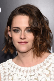 Kristen Stewart looked oh-so-cool with her messy-wavy bob at the National Board of Review Gala.