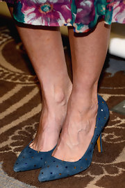 Kristen Wiig had some fun with her kicks with these blue star-patterned heels.