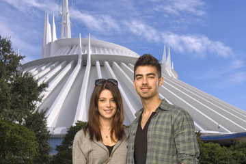 Joe Jonas Ashley Greene Celebs Visit Disney Parks