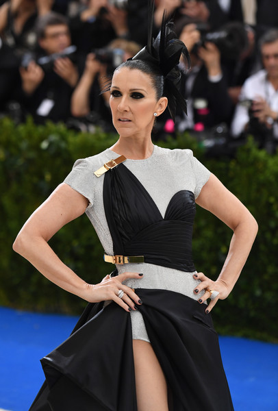 Celine Dion Diamond Ring [comme des garcons: art of the in-between,photo,fashion model,beauty,flooring,fashion,carpet,shoulder,haute couture,girl,joint,jewellery,rei kawakubo,celine dion,angela weiss,costume institute benefit,new york,metropolitan museum of art,afp,costume institute gala]