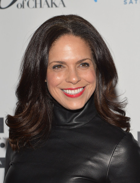 More Pics of Soledad O'Brien Medium Layered Cut (4 of 5) - Shoulder Length Hairstyles Lookbook - StyleBistro