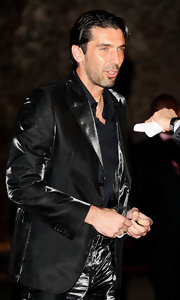 Gianluigi Buffon looked oh-so-suave at the Champions for Children Gala in his iridescent black suit.